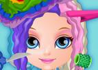 Barbi Bebek Çılgın Saç Kesimi