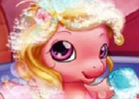 Bebek Pony'nin Banyo Vakti