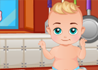 Erkek Bebek Mutfakta