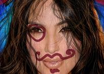 Kim Kardashian'ı Döv ve Tokatla