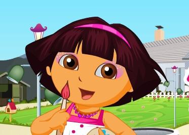 Dora Giydirme ve Makyaj Yapma